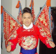 黄征的新作将京剧《走虎山》与时尚音乐相结合