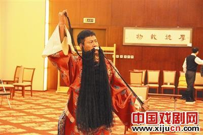 莲益铭将在梅兰芳大剧院演唱《骑马进村》