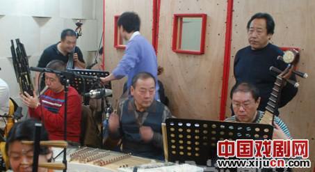黄兆龙自费录制马伴奏