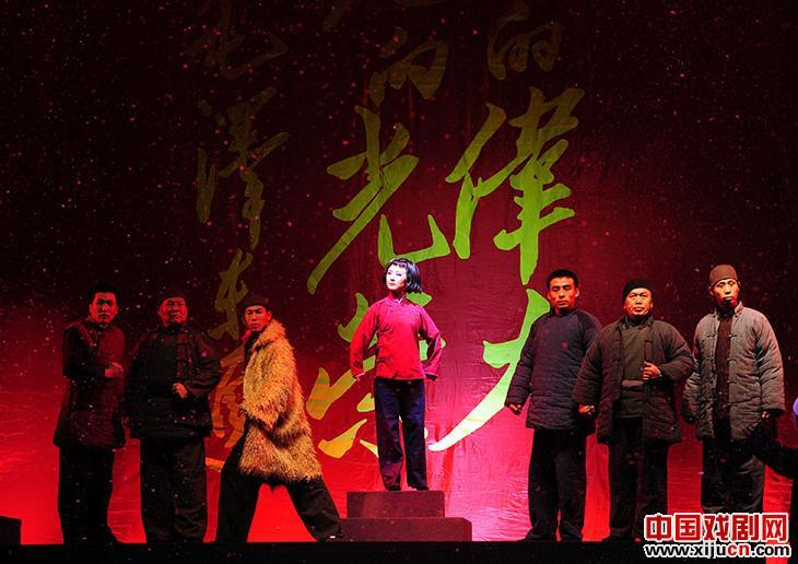 金歌剧《刘胡兰》获得第七届全国儿童优秀戏剧表演奖和优秀编剧奖