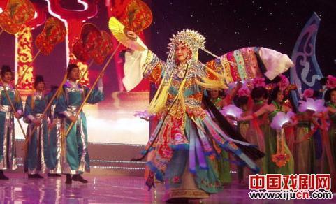 京剧大师弘毅的《李园春》再次演唱《梨花颂》
