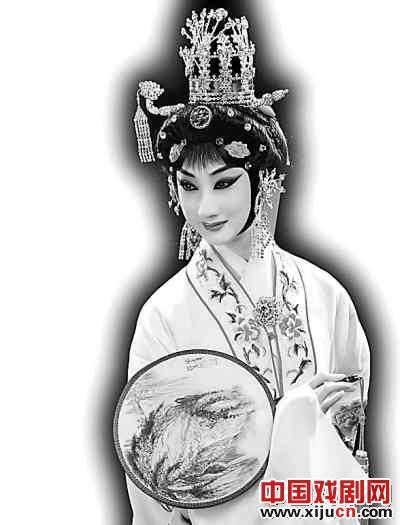 窦小轩在百分之十的戏剧中加入京剧