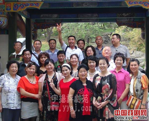 北京、天津、唐山和包头与北京的歌剧评论家保持着友谊