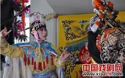 李玉刚和何赛飞表演京剧《母子》