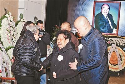 马长礼遗体告别仪式在北京八宝山殡仪馆举行
