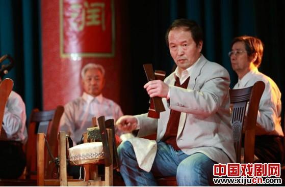 著名京剧鼓手谭石秀的弟子刘张之