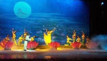 京剧《丝路花雨》在甘肃演出
