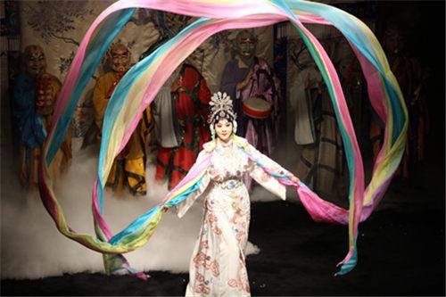 青春版的美丽京剧《梅兰芳花》将在合肥大剧院上映