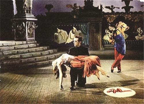 30年后,青春版京剧《红领艳》以新的服装亮相。