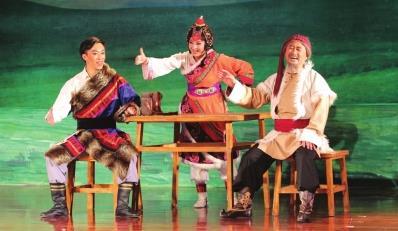 甘肃京剧院创作的京剧《草原曼巴》促进了文化扶贫。