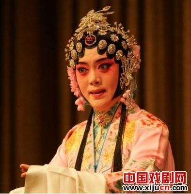 平剧《珍珠衬衫》于4月1日在梅兰芳大剧院上演。