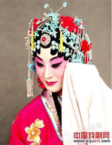 张丁火的《京剧中的王菲》