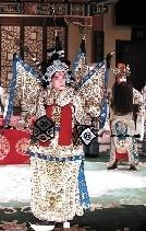 国家京剧剧院第二组表演了《燃烧的裴元庆》、《宇宙前线》和《红鬃与凶马》