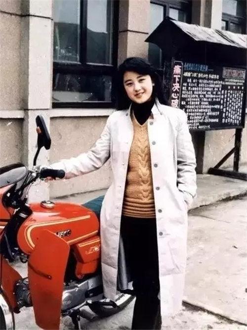井陉金剧团演员左方慧在第二届中国黄河流域戏剧红梅大赛中获得金牌