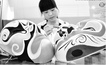 京剧改革不能改变它的本质