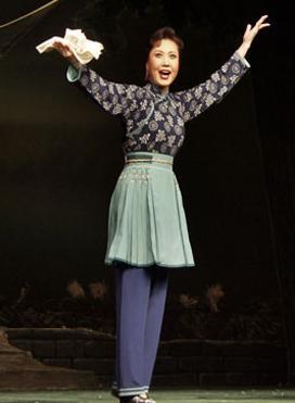 长安大剧院今晚将上演现代京剧《沙家浜》。