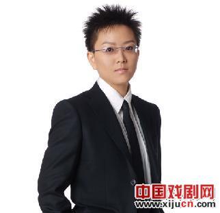 王佩瑜:愿成为融入京剧时尚的一滴水